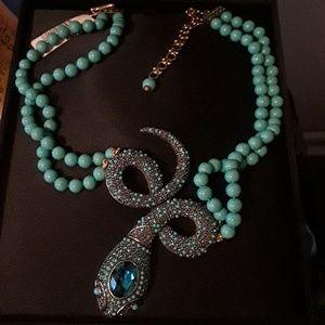 Beautiful necklace neverworn